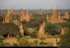 Northern Plain, Bagan, Myanmar (JH_1982) Tags: bagan pagan 蒲甘 バガン 바간 паган باغان पुगं พุกาม view northern plain north temples temple ruin ruins historic historical architecture kingdom archaeological zone spires stupa stupas central myanmar burma birma birmania birmanie 缅甸 ミャンマー 미얀마 мьянма म्यान्मार myanma jochenhertweck travel traveling travelling ประเทศพม่า mjanma exotic
