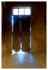 Le camps de Milles : 317 (Pascal.M (bong.13)) Tags: campdinternement sonyrx100 lumière portes aix provence blackandwhite bois fenetres