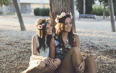 Lucía y Sandra (Izzy g.r) Tags: girls beautiful portrait family friends love cute adorable emotions smile happy light magic sunset sisters summer