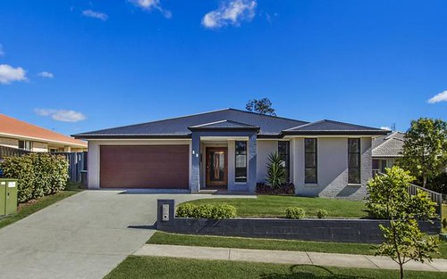 26 Drovers Wy, Wadalba NSW 2259