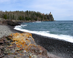 Split Rock Lighthouse - Split Rock Lighthouse State Park (j-rye) Tags: lake lighthouse cliff north spring waves forest lakesuperior lichen northshore rocks landscape splitrocklighthouse splitrocklighthousestatepark pebbles sky clouds nature natur parks minnesota