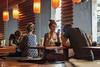 2152-2017-BR (elfer) Tags: restaurantes parejas comiendo espejos reflejos madrid españa