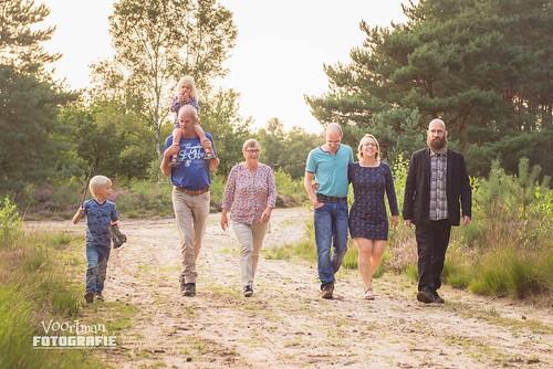 0821 Familieshoot Assen (Voortman Fotografie) WEB-15