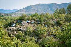 Senda de Izarbe (Teresa Esteban) Tags: huesca pirineo caldearenas roca pintura montaña españa europa árbol aragón