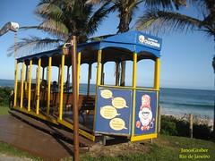 Chacrinha (Janos Graber) Tags: bonde praia barradatijuca decoração riodejaneiro