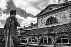 Bath  , spa town ... (2) (miriam ulivi) Tags: miriamulivi nikond7200 england uk somerset bath thermaebathspa edificio building statua statue bn bw monocromo blackandwhite 7dwf