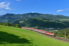 1144 062, Eichberg by Manuel Schmid - Der nur Freitags verkehrende D 737 nach Villach wurde am 8.9. von 1144 062. Mit 4 IC-Wagen konnte ich den Zug bei Eichberg ablichten.