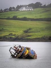 sunken (-BigM-) Tags: irland republic ireland green grün island atlantic southwest südwesten balitmore schiff ship sunken gesunken bigm
