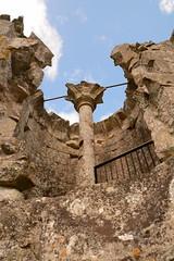 DSC_1703 (amoamas07) Tags: oldwardourcastle englishheritage castle ruin