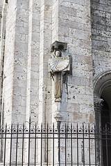 _DSC0238 (Alexandre Dolique) Tags: d850 nikon chartres cathédrale cathedral gotique roman tour toîts vitraux bleu crypte en lumière
