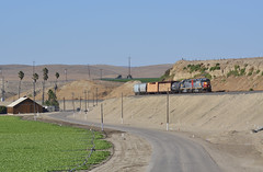 Winding through Wildhorse Canyon (CN Southwell) Tags: up sp ssw cotton belt patch gp60 king city california