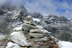 Col des Roux (bulbocode909) Tags: valais suisse cairns coldesroux valdesdix combedeprafleuri dixence hérémence montagnes nature neige nuages paysages bleu