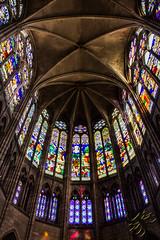 Vitraux (Thierry Poupon) Tags: basilique lumière pierre saintdenis arcs cathédrale croiséedogive nef rayonnant rois royale vaisseau vitraux iledefrance france fr