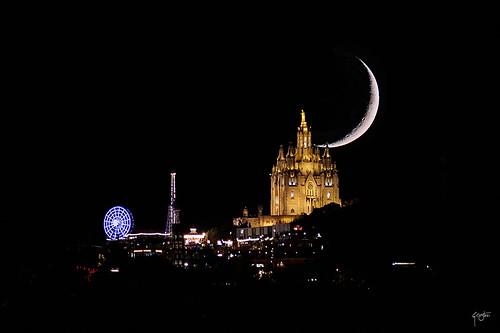 El tibidabo y la luna