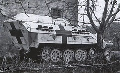 """Sdkfz251 """"sani"""" notice the extra track links on the side of the rear superstructure"""