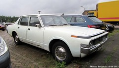 Toyota Crown 2600 1973 (XBXG) Tags: 09ah66 toyota crown 2600 1973 toyotacrown white nijverheidslaan weesp nederland holland netherlands paysbas vintage old classic japanese car auto automobile voiture ancienne japonaise japon japan asiatique asian vehicle outdoor