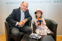Familientag im Innenministerium (wolfgang.sobotka) Tags: kinder familie innenministerium polizei sicherheit