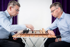 Win-win situation (glukorizon) Tags: 52weeksof2017 beweging blurred blurry chess curtain double dubbel game gordijn hss luc movement onscherp schaakspel selfie sliderssunday spel sportsphotography table tafel twee zelfportret