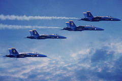 Blue Angels (mariola aga) Tags: chicago airandwatershow blueangels jets airplanes show 2017