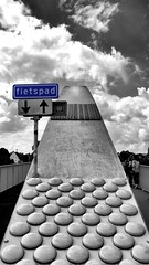 Fietspad / Bicycle path !! (jo.misere) Tags: maastrict fietspad hoegbröck bw zw wolken clouds symmetrie selfie personen persons knoppen bulten