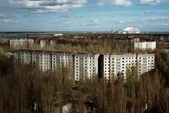 Атомный сосед / Atomic neighbor (spoilt.exile) Tags: украина чернобыльскаязонаотчуждения радиация чернобыльскаякатастрофа чернобыль припять заброшено пленка скан чаєс ukraine chernobylexclusionzone radiation chernobyldisaster chernobyl pripyat abandoned film scan chernobylnuclearpowerplant ngc