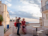 Endurance (Piero Riccardi) Tags: piazza persone donna fotografo tavolo sedia panorama tramonto cielo nuvole sole