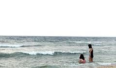Waves - Liuqiu (Chapo78) Tags: taiwan sea swim waves liuqiu horizon