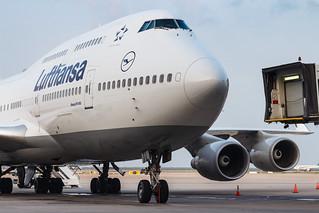 Lufthansa B747-400 D-ABTL 003