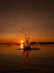 Splash art (petrisalonen) Tags: saimaa lake water sunset landscape sun yellow splash finland summer