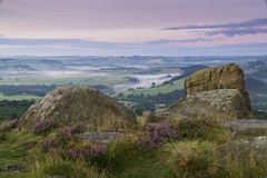 Curbar Edge (l4ts) Tags: landscape derbyshire peakdistrict darkpeak goldenhour sunrise derwentvalley curbaredge gritstoneedge gritstonetors heather moorland mist appicoftheweek