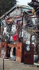 la demeure du chaos 14 (annickcecconi) Tags: chaos demeure pouvoir guerre misere prison mort bailloner culture peur épouvante souffrance pollution obscure violence silence noir rouge sang sombre métal fer pierre