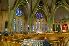 À l'intérieur de la basilique (Plus Beau Plus Loin) Tags: eglise basilique pelerinage church notredameducap troisrivieres quebec mauricie canada winter hiver vitrail
