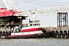 r_170921427_beat0057_a (Mitch Waxman) Tags: crane killvankull newyorkcity newyorkharbor statenisland tugboat newyork