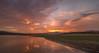 Atardecer en Pedrezuela. (Amparo Hervella) Tags: embalsedepedrezuela comunidaddemadrid españa spain nube naturaleza reflejo color embalse atardecer largaexpoosición d7000 nikon nikond7000 comunidadespañola