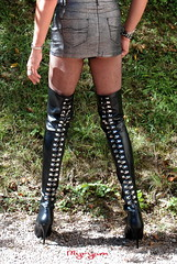 DSC_2340 Cuissardes Pleaser (myryamdefrance) Tags: transgenre travesti transgender transvestite tranny tgirl tg tv trans talonshauts boots bottes basrésille bottesboots cuissardes cd crossdresser cuir collant pantyhose prostituée prostitute pute pantyhosebootsbottessmileminiskirthotcrossdresser minijupe miniskirt miniskirtleather hotcrossdresser hottranny hottgirl hooker slutcrossdresser leather sluttranny slutprostituteputecum slutoutdoor