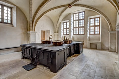 Ancienne cuisine - college des Jésuites a Reims (Patrick Mayon) Tags: jep2017journéeseuropéennesdupatrimoine reims sciencespo anciencoolègedesjésuites cuisine france indoor kitchen grandest fr