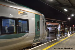 22052 at Heuston, 12/9/17 (hurricanemk1c) Tags: railways railway train trains irish rail irishrail iarnród éireann iarnródéireann dublin heuston 2017 22000 rotem icr rok 3pce 4pce 22052 2100heustoncork 22041 2105heustonportlaoise