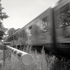 Railway Crossing (ucn) Tags: filmdev:recipe=11522 ilfordhp5400 moerschecofilmdeveloper film:brand=ilford film:name=ilfordhp5400 film:iso=400 developer:brand=moersch developer:name=moerschecofilmdeveloper railwaycrossing railroadcrossing sbahn berlin rolleiflex35b mxevs tessar