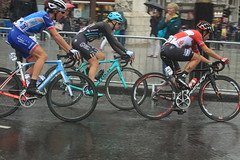 London Classique (Steve Dawson.) Tags: prudential ride london classique ladies road race cycling bikes sport lycra 55km circuit central trafalgarsquare uci world teams british rain wet slippery canoneos50d canon eos 50d ef28135mmf3556isusm ef28135mm f3556 is usm 29th july 2017