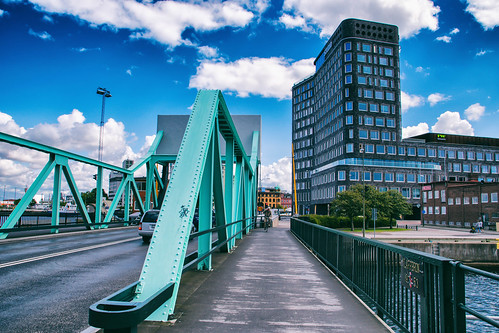 Klaffbron (bridge)