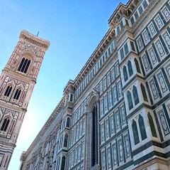 Piazza del Duomo (travelontheside) Tags: giottoscampanile italy italia tuscany toscana florence florenceitaly firenze duomo florenceduomo piazzadelduomo florencecathedral church basilica cathedral cattedraledisantamariadelfiore santamariadelfiore architecture