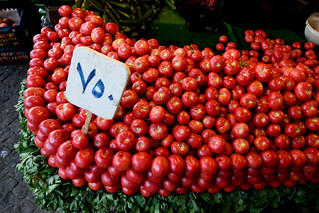 Fresh tomatoes at the bazaar, Sulaymaniyah / Iraqi Kurdistan