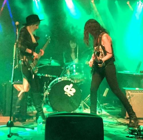 Milady 🎸 #rock #roknroll #hardrock  #elettritv #dalvivo #sottosuolo 👠 #diavolette #musica @alessiadirenzo #underground #music 🙌 #live #concerti 😈 #tibervalley #roma #italia #rome #italy  📷 ] ;)::\☮/>> http: