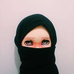 وغوش، الفتاة المسلمة