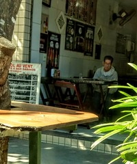 sem amigos (lucia yunes) Tags: bar bares café cafezinho botequim motoz luciayunes
