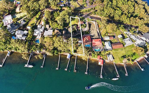64 Daley Avenue, Daleys Point NSW