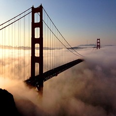 golden (sculptorli) Tags: marin california unitedstates goldengate sanfrancisco bridge cloud sunrise fog iphone brücken bridges landscape 旧金山 金门大桥 金门 金门桥 金門大橋 pont 舊金山 санфранциско 三藩市 golden 雾 美国 加州
