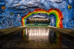 Metro Stadion Estocolmo (pajavi69) Tags: arquitectura colores iluminación nikon 1224 urbana lights architecture colors lighting urban d7100 suecia estocolmo sweden stockholm metro estacion station subway stadion