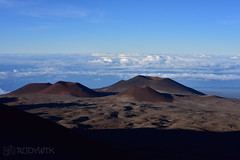 Mauna Kea's Craters (Rudy WTK) Tags: hawaii maunakea vulcanoes bigisland vulcano craters nature colors clouds landscape landshaft wanderlust nikon d810 nikkor travel discover visit usa np nationaparks