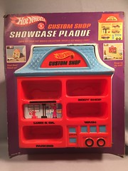 z Showcase Plaque (toyfun4u) Tags: vintage redlines hot wheels